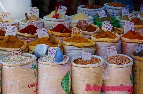 Тунис торговля