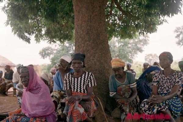 Странные законы в Африке: охота на ведьм