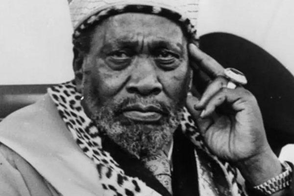 Джомо Кеньятта (Кения)
