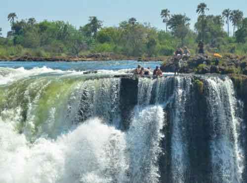 Туризм в Замбии