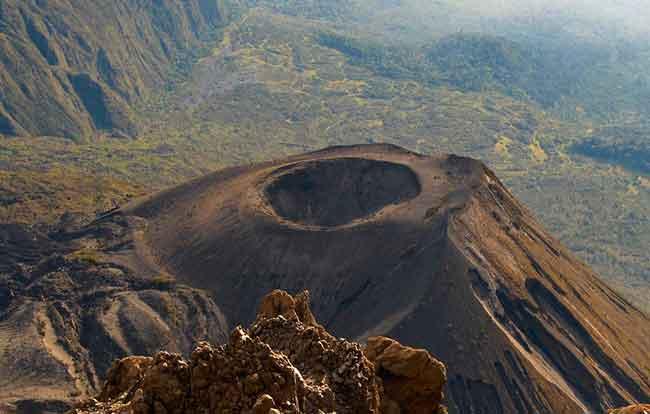 Восхождение на гору Меру, Танзания, Африка